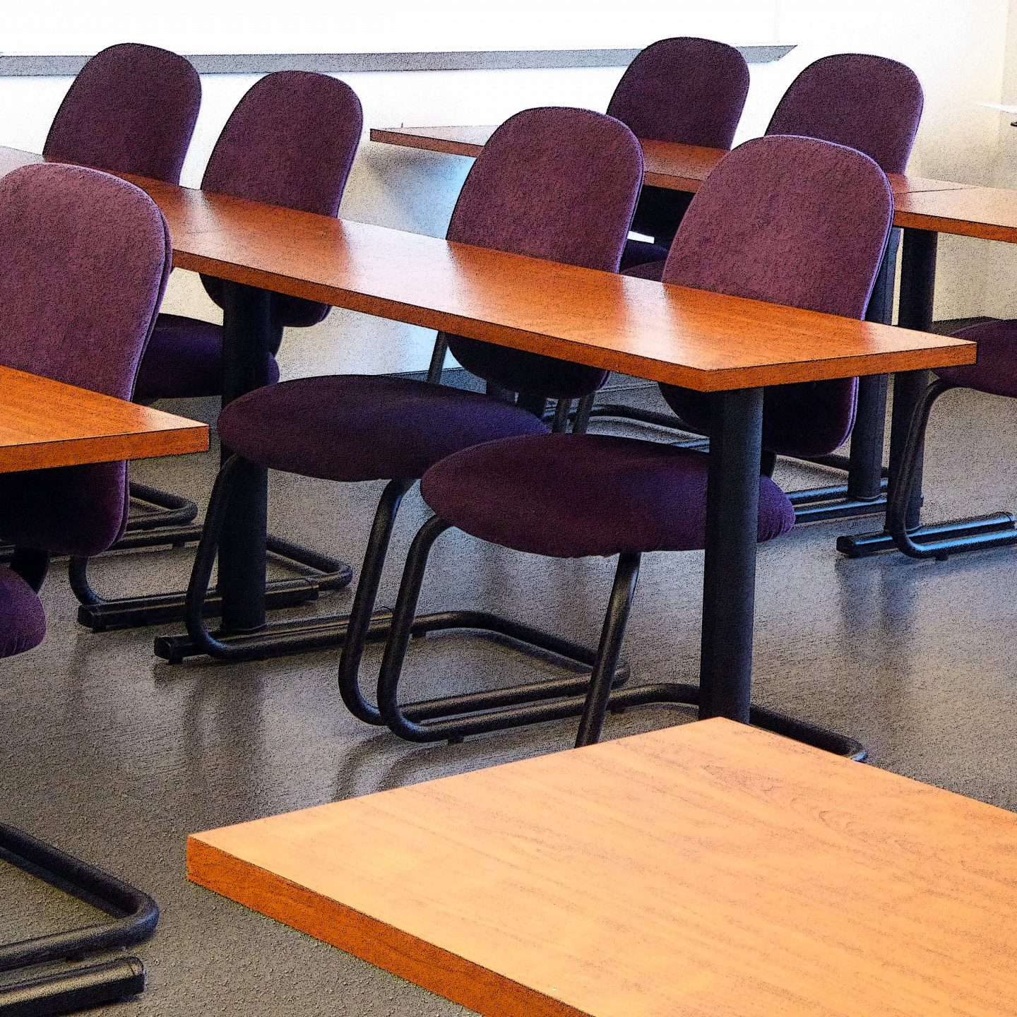 classroom-tables-and-chairs